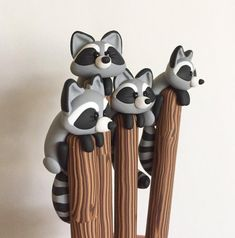 Your place to buy and sell all things handmade Polymer Clay Pens, Polymer Clay Animals, Polymer Clay Miniatures, Polymer Clay Charms, Polymer Clay Projects, Diy Clay, Clay Crafts, Cute Clay, Clay Figurine