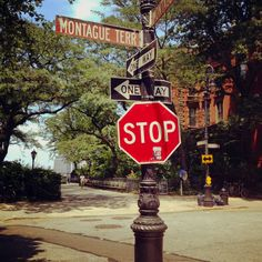 Brooklyn Heights. My old street.... Loved walking to the promenade whenever I wanted...