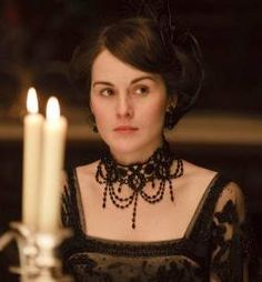 Downtown Abbey - necklace