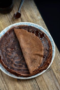 Chic, chic, chocolat...: Crêpes tout chocolat Best Dessert Recipes, Fun Desserts, Chocolates, Chocolate Crepes, Craving Chocolate, French Toast Waffles, How To Cook Pancakes, Gateaux Cake, Cake & Co