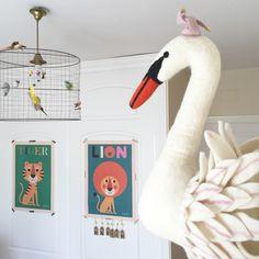 Oui Oui-cabeza cisne pared, cabeza cisne fieltro,sew heart felt swan head Oui Oui, Felt Hearts, Swan, Dyi, Outdoor Decor, Home Decor, Felting, Swans, Decoration Home