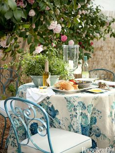 Dress Up an Outdoor Table