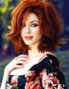 for-redheads, Christina Hendricks by Max Abadian for Flare May. Her hair color 😍😍😍 Wavy Bob Hairstyles, Pretty Hairstyles, Vintage Hairstyles, Hairstyles 2016, Medium Hairstyles, Hairstyle Ideas, Medium Haircuts, Updo Hairstyle, Hair Ideas