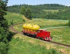 Rail Europe, Railroad Pictures, Train Art, Diesel Locomotive, Train Layouts, Model Trains, Arduino, Diorama, Planes
