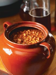 Baked Beans - in the slow cooker as we speak Homemade Baked Beans, Baked Bean Recipes, Crockpot Recipes, Cooking Recipes, Beans Recipes, Canadian Dishes, Canadian Cuisine, Canadian Food, Canadian Recipes