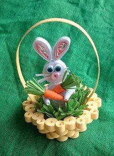 Tento veselý zajko môže byť pre malého kúpača alebo do veľkonočnej dekorácie. Vyrobila som ho z papiera technikou quilling. Podľa dohody vyrobím v rôznej farebnej kombinácii....