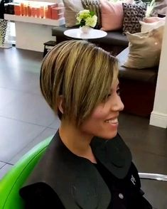 30 Best Bob Haircuts for Fine Hair Bob Hairstyles 2018 Short Hairstyles for Women is part of Hair cuts - Regardless of whether you have been adhering to this cut for quite a long time, see them in light of ideas for a regular update Bob Haircut For Fine Hair, Bob Hairstyles For Fine Hair, Short Hairstyles For Women, Hairstyles Haircuts, Hairstyle Short, Bob Haircuts, Short Stacked Hairstyles, Braided Hairstyles, Spring Hairstyles