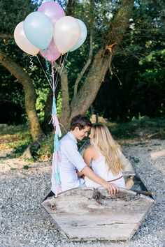 DIY Seidenpapier Girlande mit bunten Quasten von Julia Hofmann | Hochzeitsblog - The Little Wedding Corner