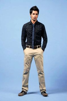 Office Style (Him): Business casual. Khakis. Tie.