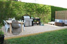 Budget patio makeover with pea gravel patio Budget Patio, Patio Diy, Backyard Patio, Patio Ideas, Backyard Ideas, Garden Ideas, Backyard Playground, Landscaping Ideas, Backyard Landscaping