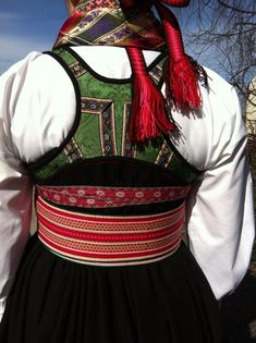 Beltestakk med grønt liv Folk Costume, Costumes, Line S, Dress Making, Making Ideas, Norway, American Girl, Anna, Bring It On