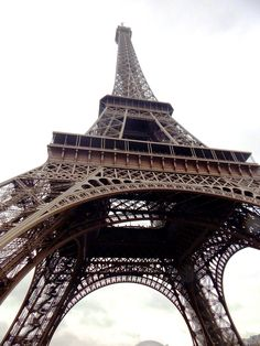 How to Skip the Lines at the EiffelTower - Secrets of Paris - The only authentic insider guide to Paris.