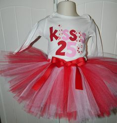 The Little Miss would get a lot of money from Daddy while wearing this one!