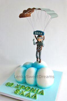 Parachute on cloud cake Cloud Cake, Foundant, Retirement Cakes, Sport Cakes, Happy Birthday, Birthday Cake, Types Of Cakes, Paragliding, Sugar Art