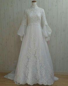 muslim wedding dresses for mens Muslimah Wedding Dress, Wedding Abaya, Modest Wedding Gowns, Muslim Wedding Dresses, Weeding Dress, Muslim Dress, White Wedding Dresses, Bridal Gowns, Malay Wedding Dress