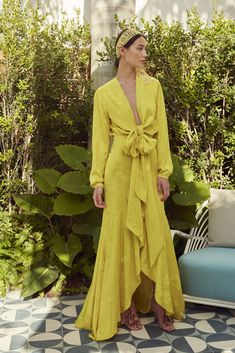 Get inspired and discover Silvia Tcherassi trunkshow! Shop the latest Silvia Tcherassi collection at Moda Operandi. Party Fashion, Fashion 2020, Fashion News, 80s Fashion, Bikini Fashion, Fashion Trends, Maxi Wrap Dress, Dress Up, Wrap Dress Outfit