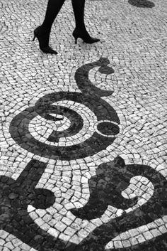 Porcelains and Peacocks: In Black and White Stone: Calçada Portuguesa