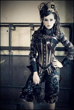 Corset + Steampunk = my summer projects!