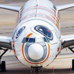 All Nippon Airways - ANA Boeing 777-381/ER JA789A at Houston-Intercontinental, April 2016. BB-8 Jet livery. (Photo via Instagram: @unitedflyerhd)