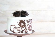 #cake #fondant #chocodant #cakepuntcom #Fondart http://cakepuntcom.blogspot.com.es/2016/06/como-forrar-una-tarta-con-chocodant.html