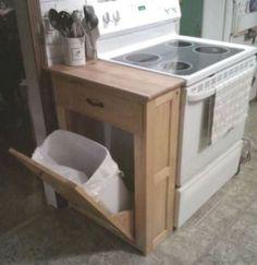 Встроенное ведро для мусора на кухне