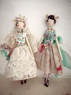 Magpie and the wardrobe …. Love these dolls… Magpie and the wardrobe …. Love these dolls! Softies, Dolly Doll, Clothespin Dolls, Paperclay, Sewing Dolls, Doll Maker, Wooden Dolls, Fairy Dolls, Soft Dolls