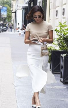 Street style tips to take from the best-dressed at Paris Haute Couture Fashion Week Nicole Warne – Paris Fall 2016 Haute Couture Fashion Week Street Style – July 2016 Casual Work Outfits, Mode Outfits, Summer Outfits, Fashion Outfits, Fashion Tips, Fashion Trends, Stylish Outfits, Fashion Ideas, Fashion Week