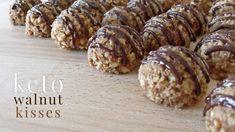 Keto Walnut Kisses Low Carb Deserts, Low Carb Sweets, Glazed Walnuts, Keto Breakfast Smoothie, Keto Snacks, Keto Desserts, Walnut Recipes, Walnut Cookies, Keto Candy
