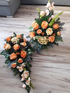 💕 Yanet 💕 Grave Flowers, Funeral Flowers, Funeral Flower Arrangements, Floral Arrangements, Black Flowers, Fresh Flowers, Flower Decorations, Christmas Decorations, Casket Sprays