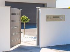 XCEL Fences | Solid Grey | Modern Fences | Bielsko-Biała Home Door Design, Door Gate Design, Modern Fence Design, Deco, Big Doors, Backyard Fences, Entrance Gates, Planer, Locker Storage
