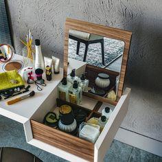 tocador de schonbuch BATIK- versat Tocador. Tu rincón de belleza y estilo #makeup #makeuptable #tocador  #dressingtable #boudoir#slaystation #vanitymirror #mirror #beauty #camerino