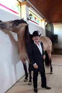 Gaucho, Vicente Fernandez, Spanish Music, Conquistador, Famous Singers, Beautiful Creatures, My Music, Cowboys, Horses