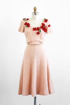 vintage 1940s dress / 40s dress / Crocheted by RococoVintage