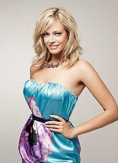 Vitaminbank weboldal  Peller Mariann fogyása Beautiful Women, Woman, Tops, Girls, Fashion, Templates, Cute Girls, Role Models, Toddler Girls