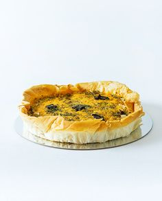 Phyllo pastry crust with fresh cream, biltong, caramelised onion and blue cheese filling. South African Recipes, Ethnic Recipes, Cheese Quiche, Biltong, Fresh Cream, Blue Cheese, Caramelized Onions, Camembert Cheese