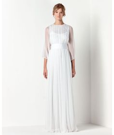 Max Mara Bridal..love the long sleeves !