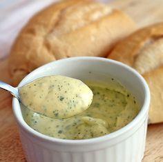 Creme de Alho (ideal para pão de alho e acompanhamento de churrasco). Conheça nossa receita.