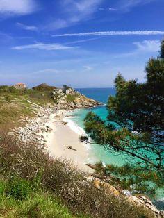 The Cíes Islands - Las Islas Cíes - Vigo, Pontevedra, Spain Peaceful Places, Daughter Love, Beautiful Pictures, Camping, Island, Adventure, Mom, World, Water