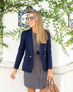 outfit with blazer - Outfit Ideen Adrette Outfits, Blazer Outfits For Women, Office Outfits, Office Wear, Casual Outfits, Preppy Work Outfit, Casual Wear, Navy Dress Outfits, Office Uniform