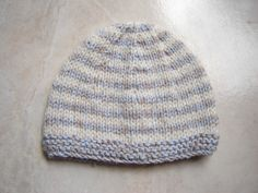 Sailor beanie, size 1 month for baby Free tutorial. Crochet For Kids, Knit Crochet, Crochet Hats, Baby Hats Knitting, Knitted Hats, Bonnet Marin, Baby Couture, Kids Hats, Little Babies