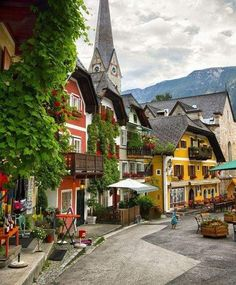 Snapshot: the imposing Heroes Square in Budapest In Hallstatt, Austria. Places Around The World, Travel Around The World, Around The Worlds, Places To Travel, Places To Go, Travel Destinations, Beautiful Places To Visit, Wonderful Places, European Travel