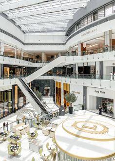 Fashion Avenue, The Dubai Mall — Kinnersley Kent Design Shopping Mall Interior, Dubai Shopping, Shopping Malls, Dubai Airport, Dubai Mall, Mall Design, Retail Design, Dubai Buildings, Atrium Design