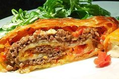 Minced meat – bell pepper – cheese – strudel, a tasty recipe from the vegetable category. Ratings: Average: Ø Minced meat – bell pepper – cheese – strudel, a tasty recipe from the vegetable category. Yummy Recipes, Pizza Recipes, Pork Recipes, Crockpot Recipes, Cooking Recipes, Yummy Food, Tasty, Cooking Food, Law Carb