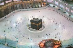 بحمد لله تمت عودة العمرة مجدداً بحذر وأمان. بعض لقطات انطلاق العمرة مجدداً بعدسة المصور ياسر بخش. احجز الآن عن طريق الواتساب Wa.me/966540090513 #نعود_بحذر #مكة #عمرة Fairmont Hotel, Palace, Outdoor Decor, Islamic Quotes, Muslim, Allah, Cook, Recipes, Projects To Try