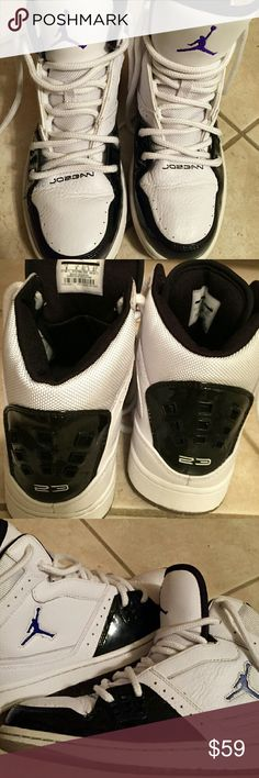 MIKE JORDAN 1 FLIGHT MEN'S SNEAKERS Size 9. White and black bright Concord Metallic. 100 percent authentic. Style 372704-108. Pre-owned great condition and no box. Nike Shoes Sneakers