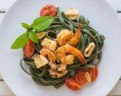 Pâtes au basilic, crevettes et mozzarella : http://www.fourchette-et-bikini.fr/recettes/recettes-minceur/pates-au-basilic-crevettes-et-mozzarella.html