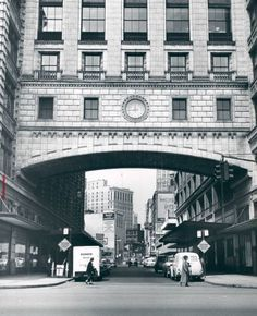 Crowley's Department Store......The Crowley Arch in 1958.,       - Old photos — Historic Detroit