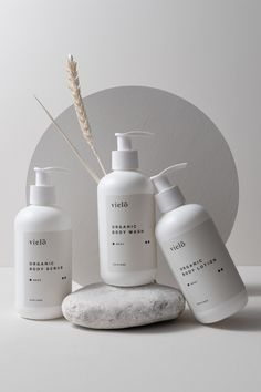 Vielö on Behance Body Shampoo, Body Lotion, Organic Body Wash, Organic Shampoo, Cosmetic Design, Natural Cosmetics, Product Photography, Plush, Behance