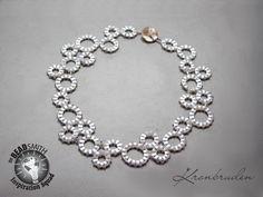 Kerstin Kallin (Sweden)   Miyuki Half Tila Beads Beaded Jewelry, Beaded Necklaces, Bead Shop, Collar Necklace, Seed Beads, Collars, Jewlery, Objects, Jewelry Making