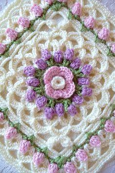 Transcendent Crochet a Solid Granny Square Ideas. Inconceivable Crochet a Solid Granny Square Ideas. Crochet Motifs, Crochet Blocks, Granny Square Crochet Pattern, Afghan Crochet Patterns, Crochet Squares, Crochet Stitches, Crochet Granny, Knitting Patterns, Beau Crochet